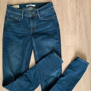 710 Super Skinny size 25 Levi's Jeans
